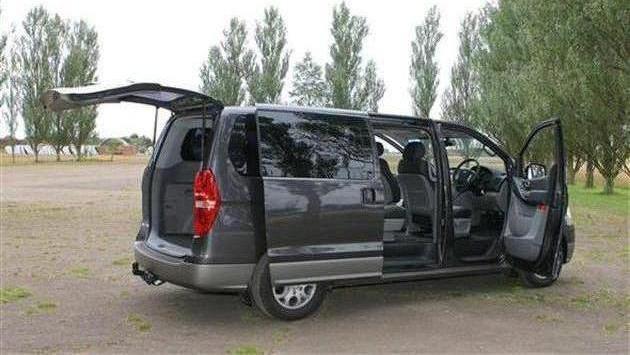 Микроавтобус мерседес в наличии 5 штук для перевозки больших собак или большого количества животных